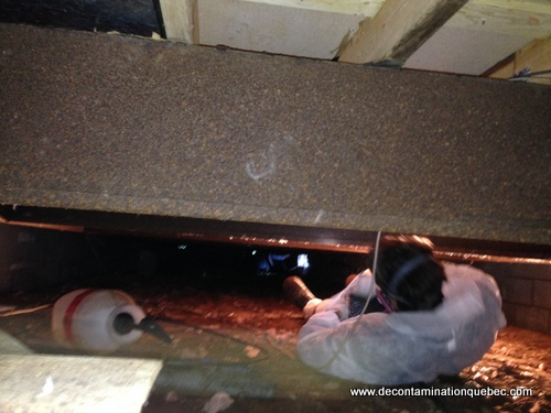 Exemple de travail en milieu très restreint et à haute chaleur (travail en pression négative)